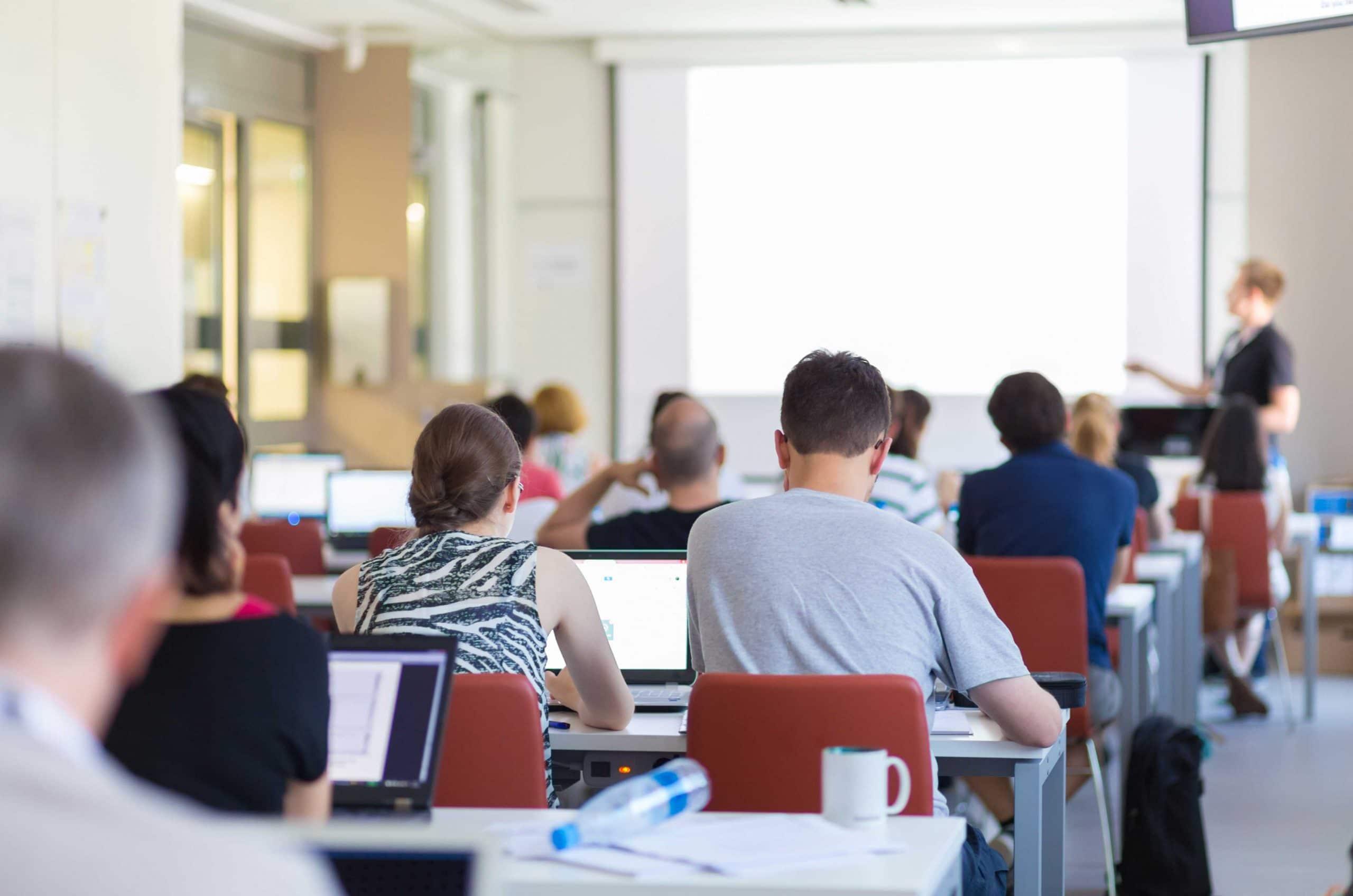 I corsi di informatica per le aziende sono inutili? Solo per chi non ha mai svolto quelli ben fatti